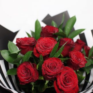12 Fresh Red Roses